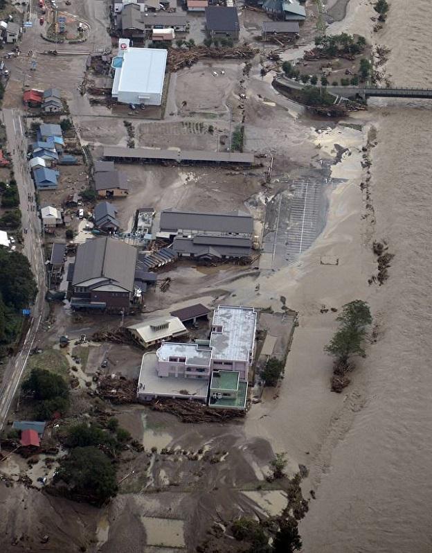 2016年の台風10号の大雨で河川が決壊し土砂が流入した岩手県岩泉町の老人ホーム施設