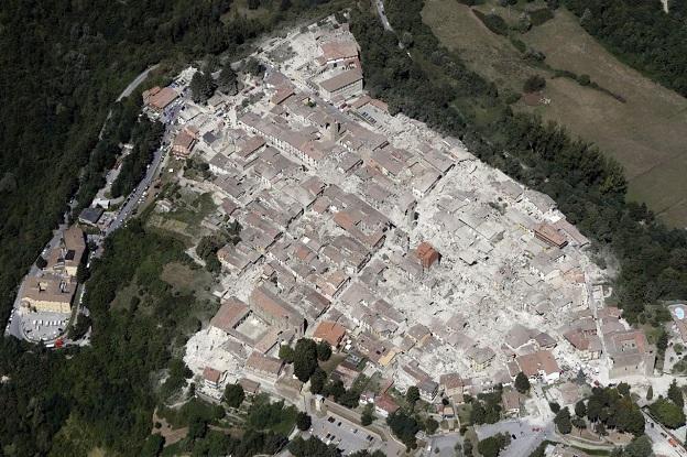 イタリア中部地震で被害を受けた市街地