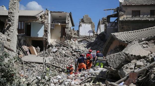 地震で崩壊したイタリア中部地震で倒壊した建物