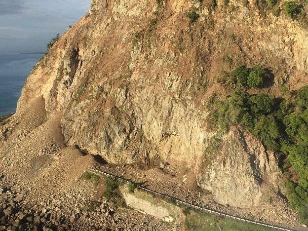 ニュージーランド地震で震源地カイコウラで起きた大規模ながけ崩れ