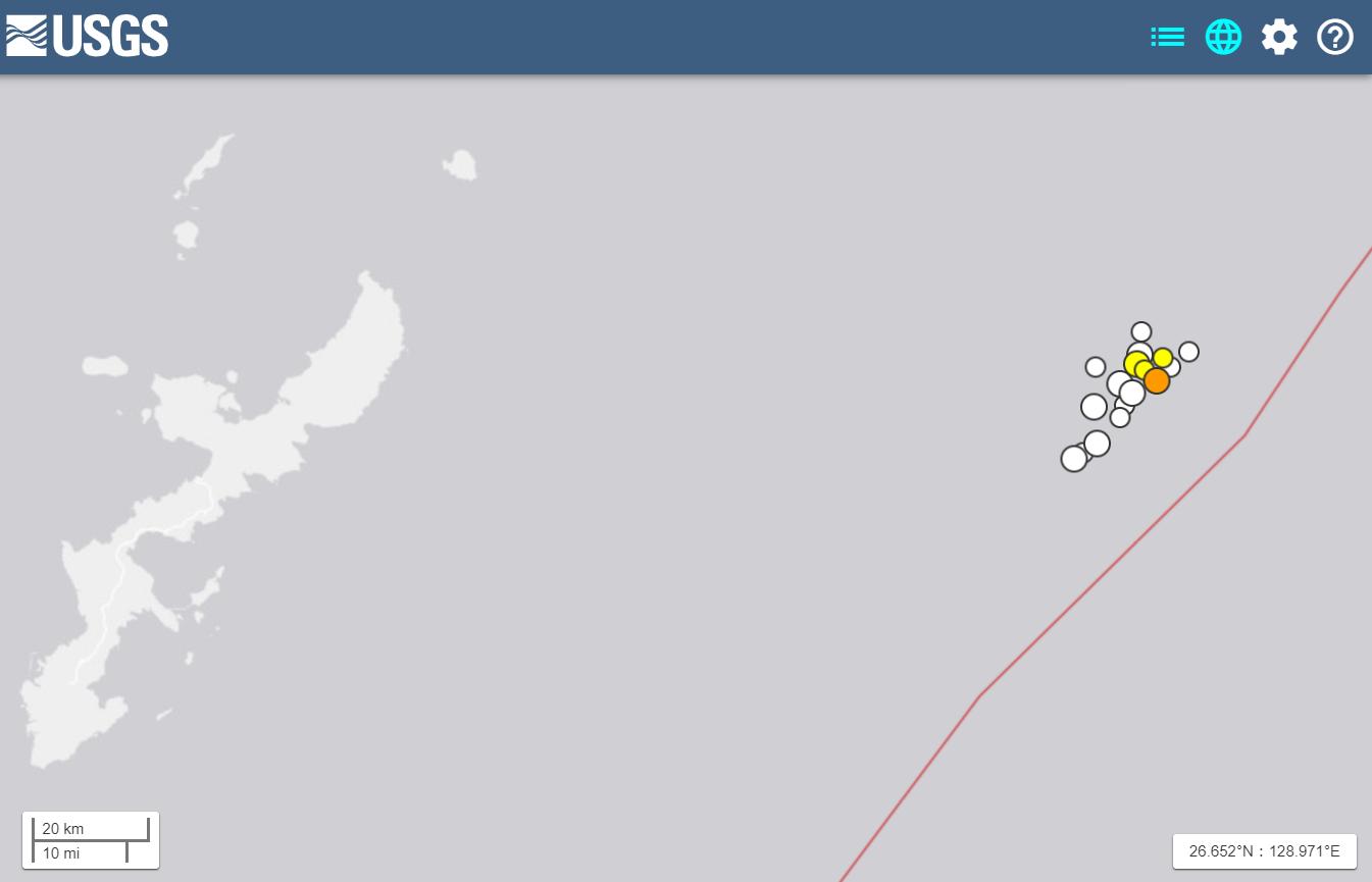 沖縄周辺で起きた地震の震源地を表したアメリカ地質調査所(USGS)の地図